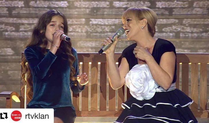 Erza Muqolli nga Parisi në Tiranë, interpreton me Inva Mulën