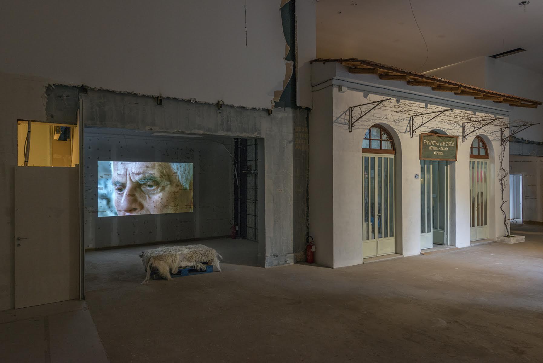 Maria-Papadsimitriou-work Artistët shqiptarë i bashkohen problemeve të përbashkëta në ekspozitën në Shkup
