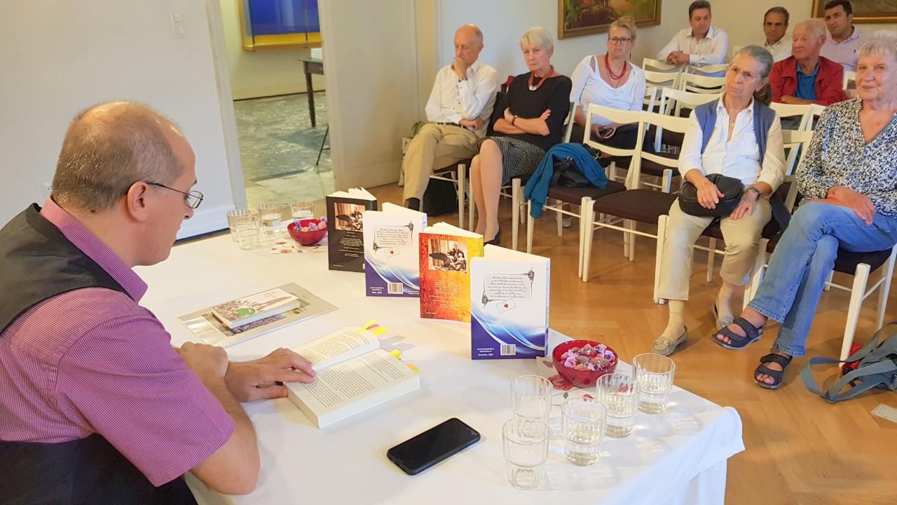 "thumbnail_20180915_172232 Autori shqiptar Besim Xhelili prezanton para austriakëve romanin ""1803"""
